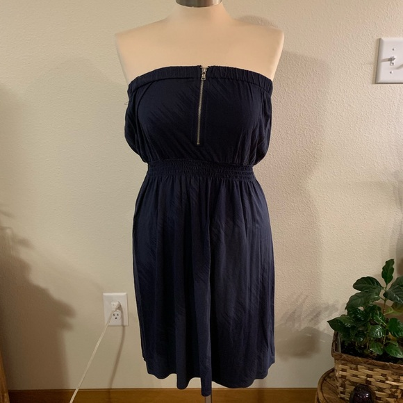 GAP Dresses & Skirts - Navy strapless dress with zipper front